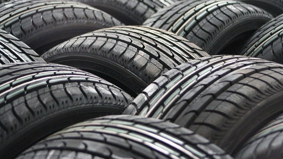 Autoankauf Export Reifen defekt