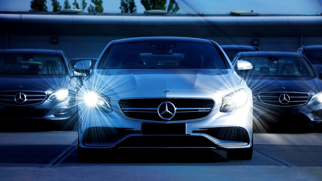 Mercedes-Benz mit defekt